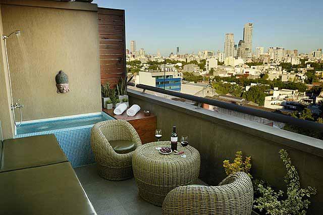 Petite piscine de balcon